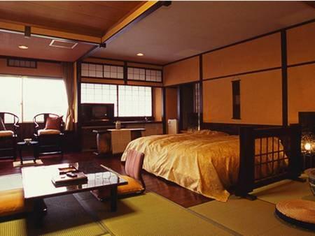 六花選(和洋室)和室とフローリングをアジアンテイスト溢れる家具でおもてなし