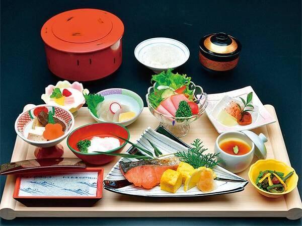 ご朝食は4・5月限定の和朝食膳をご用意!(お食事処でのご案内となります)