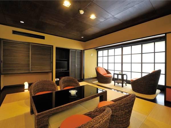 琉球畳とオリジナルソファーのアジアン和室 和室10畳~ バス・ウシュレットトイレ付き