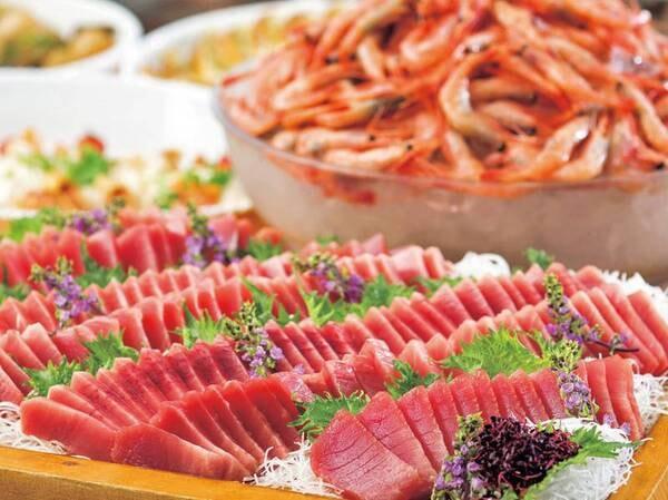 【夕食/例】新鮮な魚介も充実!