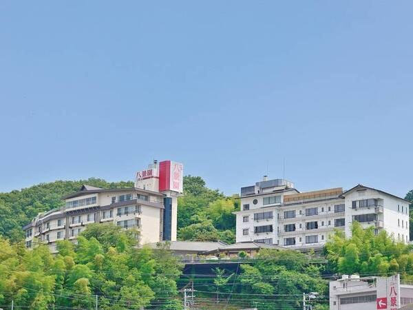 【外観】伊豆長岡の高台に位置した眺望自慢の宿