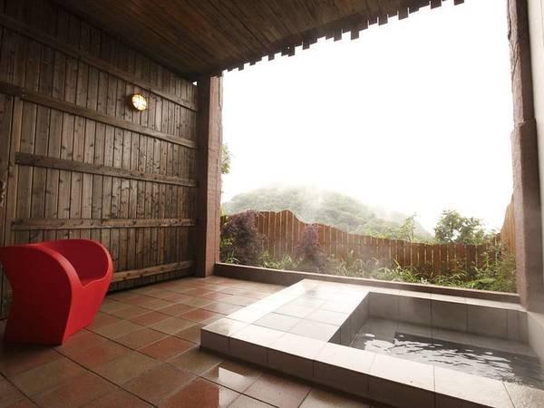 【貸切風呂】別棟に位置する貸切風呂(有料)