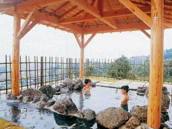 【鈴岡】☆鮑・蟹・牛の豪華食材でおもてなし!露天風呂から三河湾を望む高台の宿