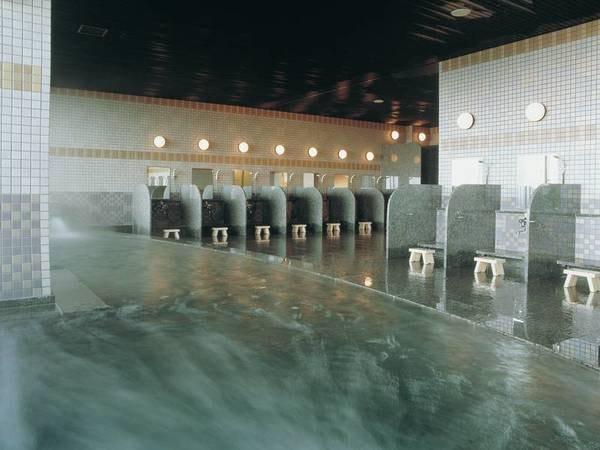 【大浴場】温かな湯に浸かり心身ともに癒される