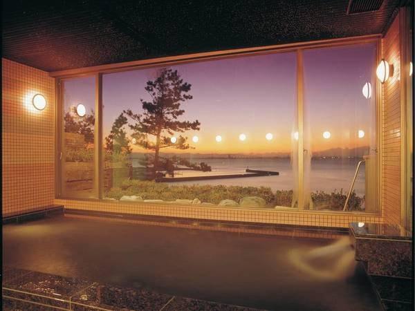 【ホテル三河 海陽閣】★「NO三密」プラン販売中!★視界一面に三河湾が広がる海沿いのホテル。潮騒が心地良い広々12.5畳和室で寛ぐ
