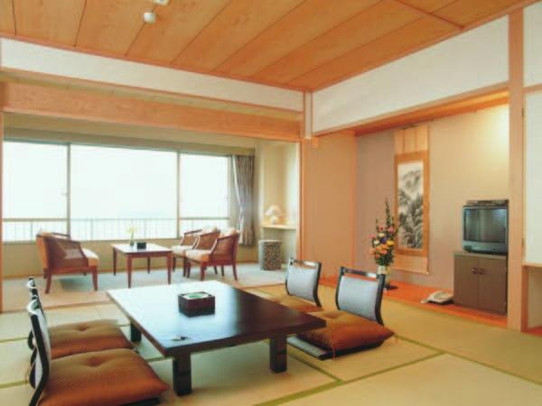 【客室/例】12.5畳以上の海一望ゆったり広々客室へご案内