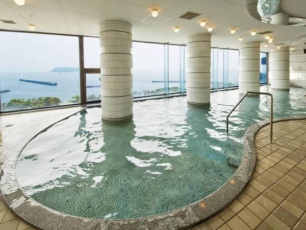 【展望浴場/太郎の海】日の出を臨む贅沢な浴場