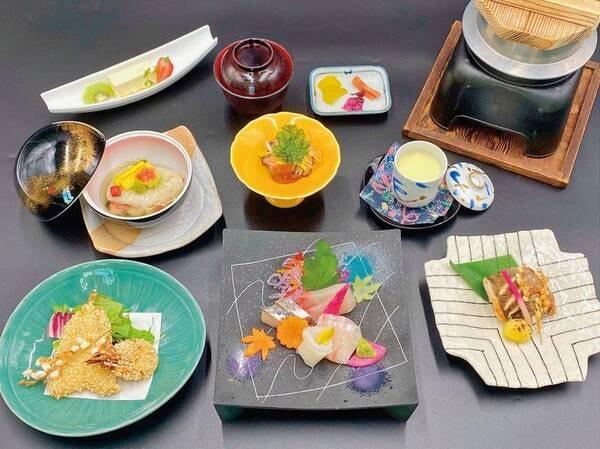 【特選!季節替り海鮮会席プランの夕食/例】知多半島近海の新鮮な魚介類や、季節の食材をふんだんに使用した会席料理