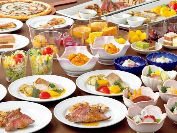 【夕食/例】石窯で焼き上げる本格グリルの他、季節ごとの多彩な料理が並ぶ