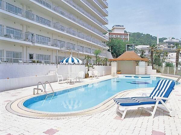 【夏季限定】屋外プールの利用は宿泊者無料!