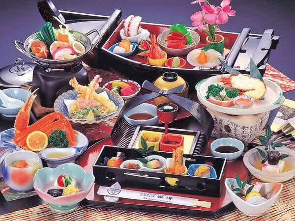 【舟盛りお造り堪能海鮮プランの夕食/例】海幸やロブスター陶板焼き等 ※舟盛は2名様限定・3名様以上は盛付け等が変更