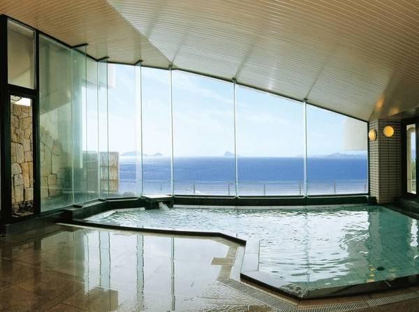 【大浴場/千賀の湯】海を望む展望大浴場