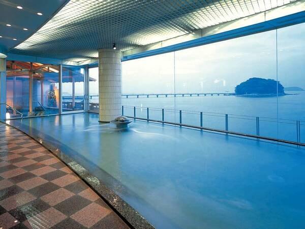 【ホテル 竹島】一面に広がる碧い空と紺碧の三河湾を眺めながらふたつの異なる温泉で湯めぐりを満喫!