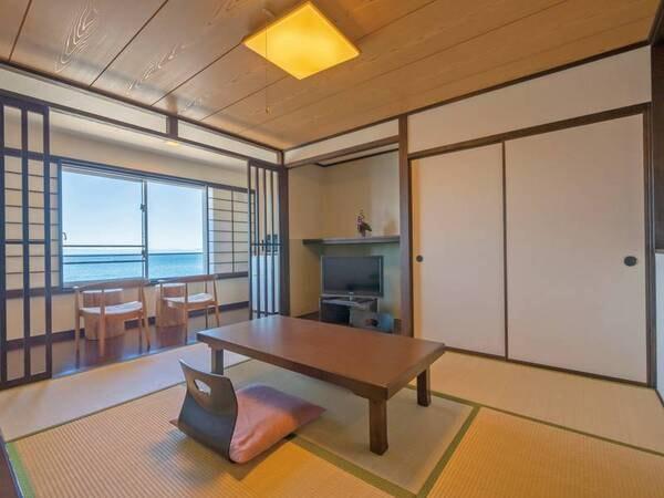 【客室/例】伊勢湾を望むオーシャンフロントの開放的な10畳和室をご用意