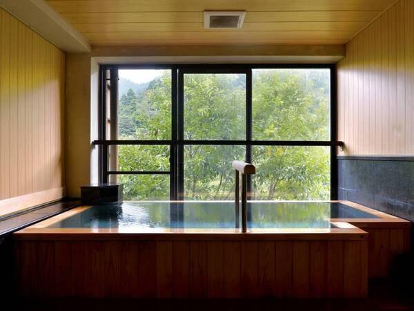 【鹿の湯ホテル】【接客評価95点の大人気宿(11/26時点)】御在所岳の大自然を感じるお宿。露天風呂や寝風呂、ジャグジー風呂など様々な風呂を堪能。