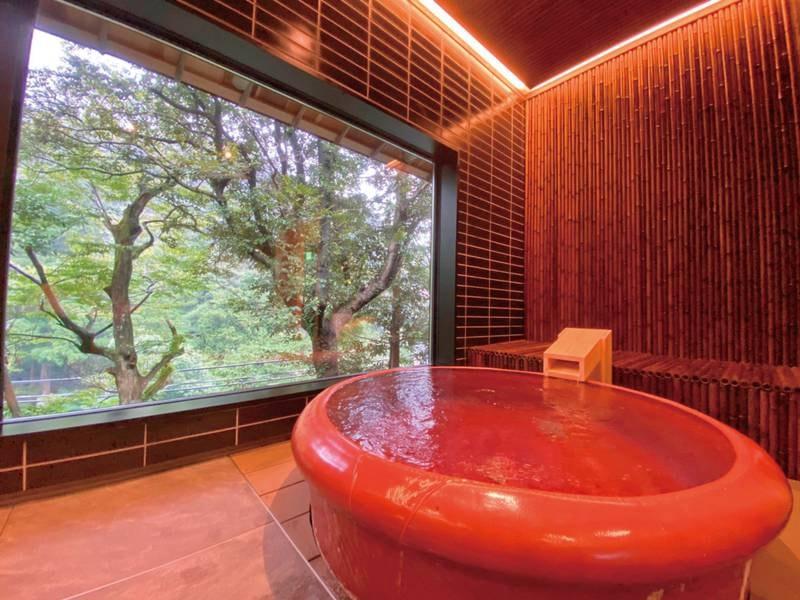 【貸切風呂/寿楽】やさしい山風にあたりながら湯あみを愉しむ