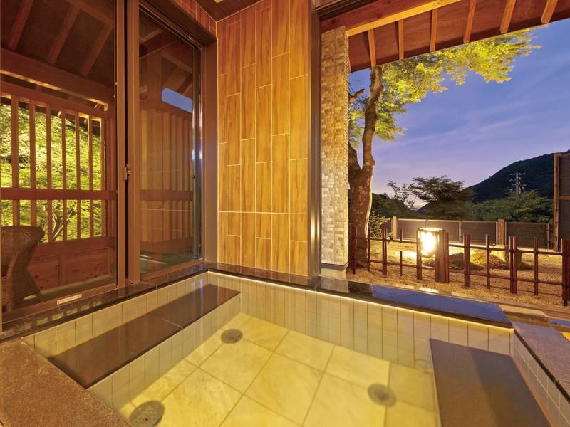 【貸切風呂/望城】森林浴をしながら湯につかり、四季折々の景色に情緒を感じる。