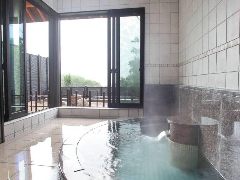 【貸切風呂/芳山】どこか懐かしいタイル張りで、ファミリーや女子会におススメ♪ゆったりとした空間で、癒しとやすらぎを。