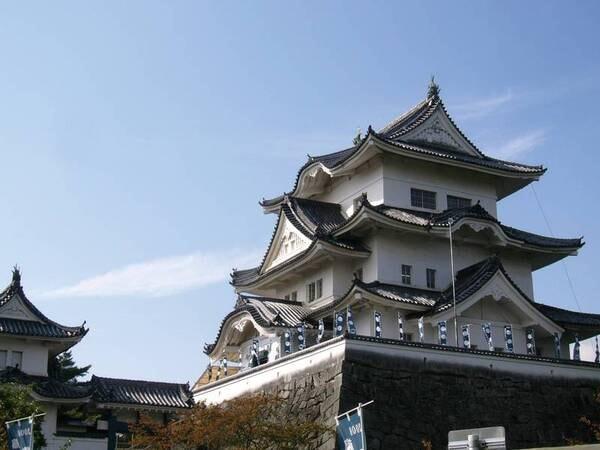 【周辺観光】上野城や、松尾芭蕉関連の史跡が多く残る伊賀上野市街へは車で約10分