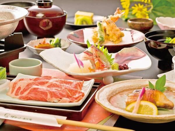 【旬の和会席/例】季節ごとのお手軽会席で、地元の旬の味覚を味わえる。