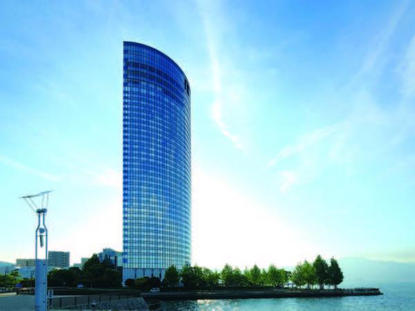 【外観】湖畔に佇む高層リゾートホテル♪客室は全室レイクビュー!