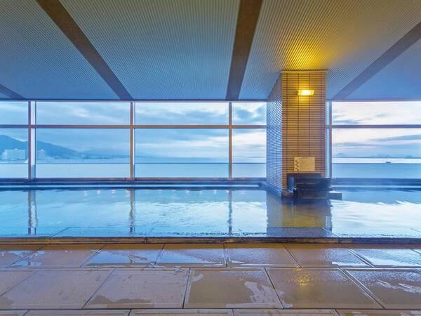 天然温泉 大浴場「るりの湯」