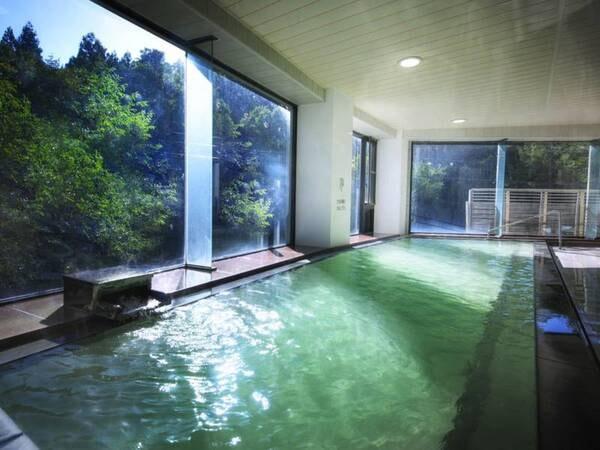かわせみの湯:大浴場/広々とした湯船に注がれる温泉は源泉かけ流し!