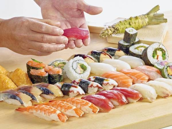 【夕食バイキング/例】人気のお寿司も食べ放題!