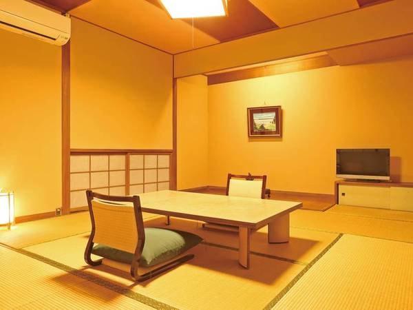 【客室/例】木の温もりを感じる8畳和室。眺望は坪庭