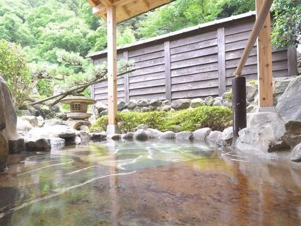 【伯雲亭】湯村で気軽に泊まるならココ!小さな宿で家族的にやってます。露天風呂と料理が自慢です。