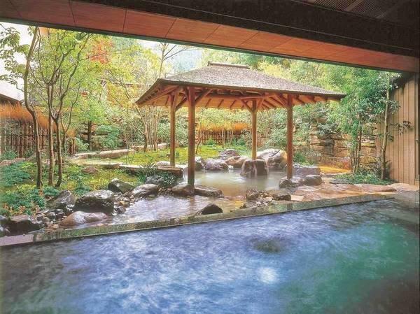 【西村屋ホテル招月庭】城崎温泉屈指の老舗旅館としての伝統と格式はそのままに、5000坪もの庭園で   至福のくつろぎを。贅沢な「森のプライベートスパ」もくつろぎ感たっぷり