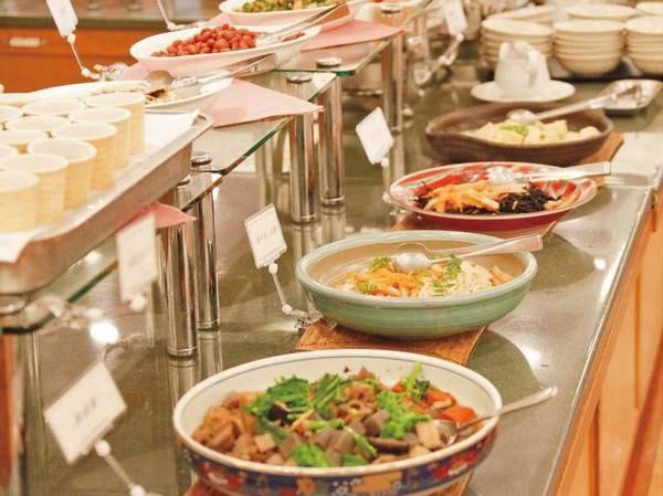 【朝食/例】和食、洋食そろった朝食バイキング