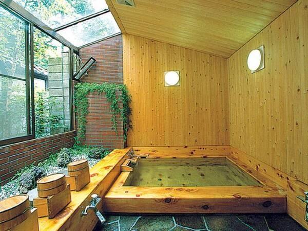 【豪族の館 大東園】純日本家屋・築150年の古民家宿。イノシシ肉を贅沢に使用した牡丹鍋を堪能。