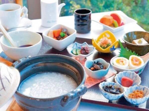 【朝食/当日選択制】人気の「朝粥」/例 約330 Kcal
