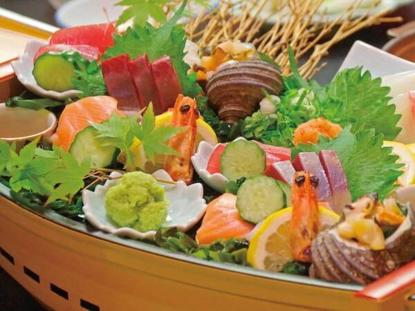 【海の幸会席/例】厳選された海の幸を色とりどりで味わえます。海鮮好きな方にオススメ