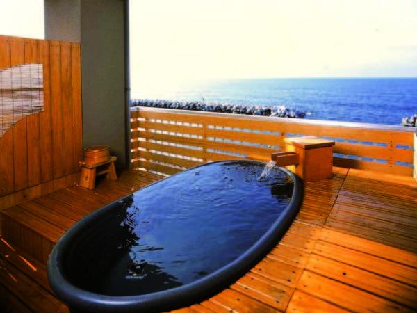 【露天風呂付客室/例】目の前に広がる海!露天風呂付の8畳客室