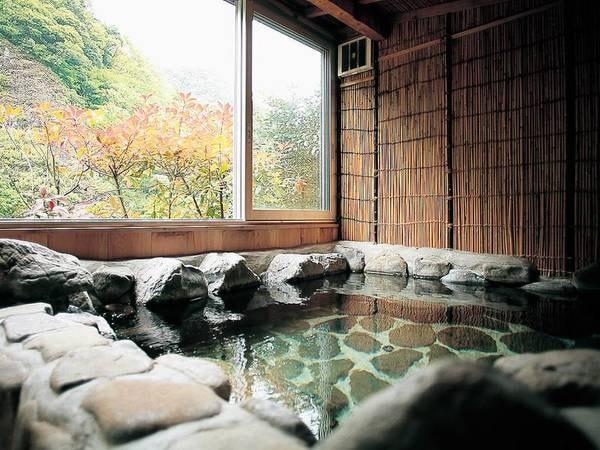 【絶景の宿 御所覧場】立久恵峡の絶景を無料の貸切露天風呂から望める宿