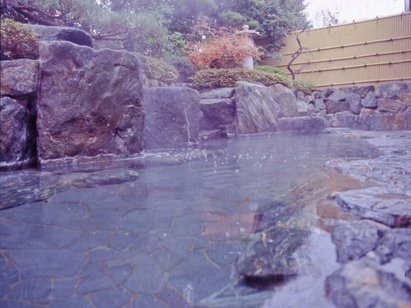 【八雲温泉 ゆうあい熊野館】日常の喧騒を離れ、ゆっくりと疲れがとれていく温泉をお楽しみください。出雲神話の故郷・熊野大社まで約1分