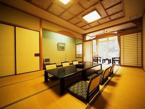 【新館和室】12帖 純和風のお部屋