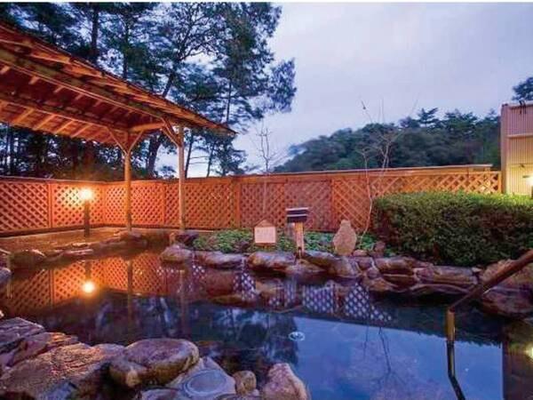 【ホテル作州武蔵】クチコミ高評価!自然豊かに楽しめる自家源泉と籠盛膳やすき焼きプランがおすすめ!