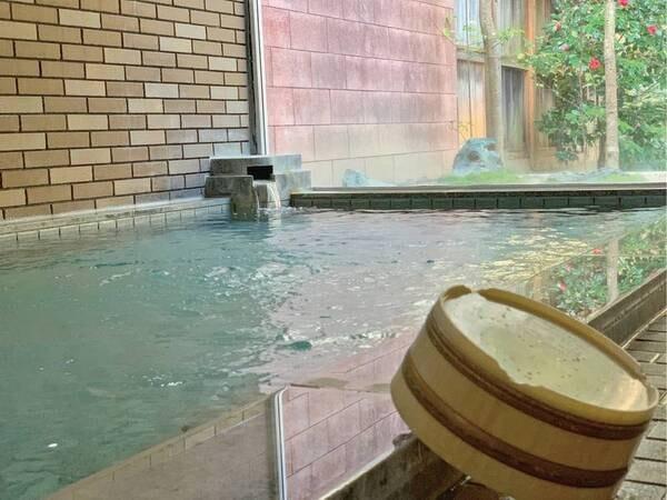 【ふくます亭】湯郷温泉の和モダンなかわいさ溢れる和風旅館。館内は女性向きな雰囲気を漂わせており、ゆっくりと寛げる