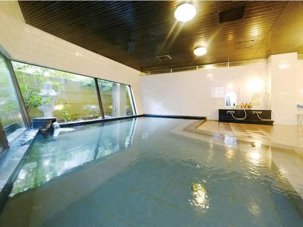 【湯免観光ホテル 名湯 ゆめの郷】触って分かるすべすべの肌触り!西日本有数のラジウム含有量を誇る温泉を一部浴槽かけ流しで堪能できる