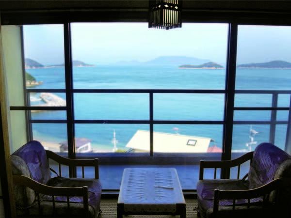 【海側眺望和室/例】窓からは瀬戸内海の島々を望む