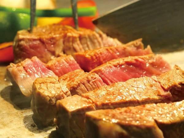 【夕食バイキング】熱々の実演ステーキ食べ放題♪