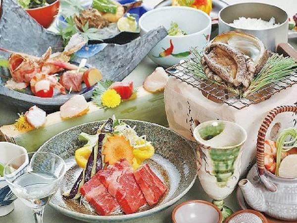 【つるや旅館】こんぴらさん参拝に最も便利な所に立地し地元の食材を活かした手作りの会席料理が有名です。