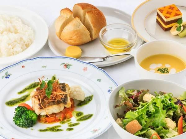 メインを選べる・野菜たっぷり夕食/一例