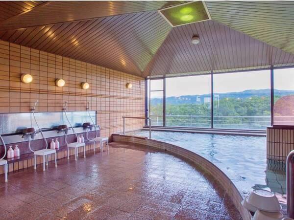 【大浴場】最上階の6Fからの眺めに癒される