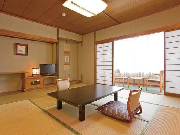 【8~10畳和室】純和風の落ち着いた雰囲気の客室