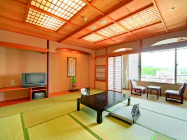 【客室/例】嬉野川に面した12.5畳の和室(喫煙)をご用意