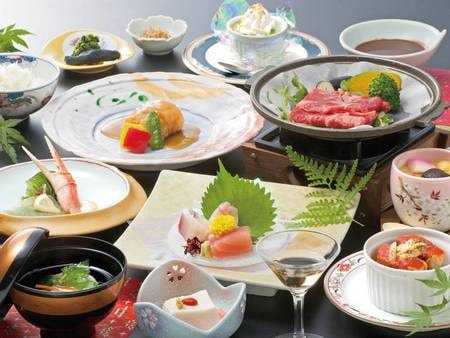 【夕食/例】旬の食材をふんだんに使った和洋折衷料理をご用意